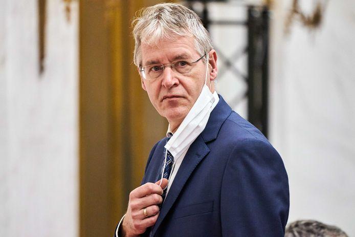 Minister Arie Slob (Basis- en Voorgezet Onderwijs en Media) tijdens het debat met de Tweede Kamer over een aangescherpte wet voor burgerschapsonderwijs
