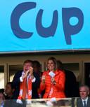 Koning Willem-Alexander en koningin Maxima op de tribune bij de wedstrijd van Australië tegen Nederland tijdens het WK voetbal in Brazilië in 2014.