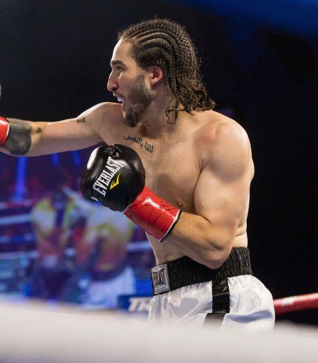 Kleinzoon Muhammad Ali imponeert met knock-out in eerste gevecht