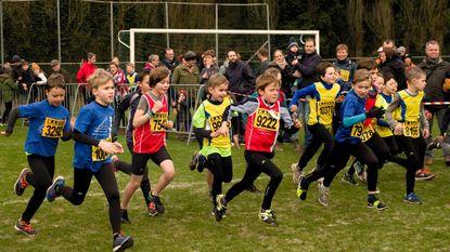 Kindercross lokt honderden lopers