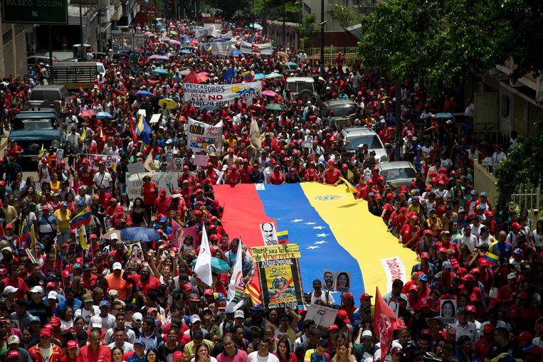 Pro-regeringsmanifestatie in Manila, eerder deze week. Venezuela wordt al maanden geteisterd door een zware politieke en economische crisis. Beeld ap