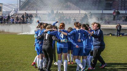 Onverslagen meisjesploeg U16 viert kampioenschap