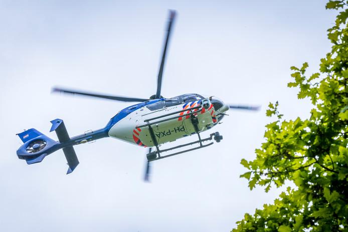 Foto ter illustratie. Een politiehelikopter.