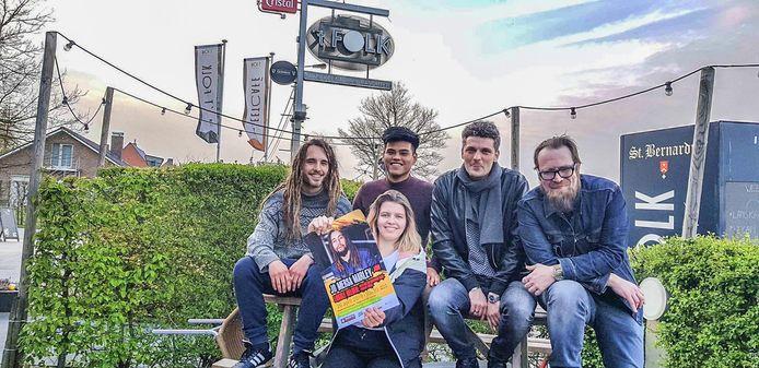 Lokale helden: Ansel Goudeseune, Sarah Huyghe, Anggello Gamarra, Félicien Delhaye (Cromanty) en Steven Reynaert (Muziekcentrum Dranouter).