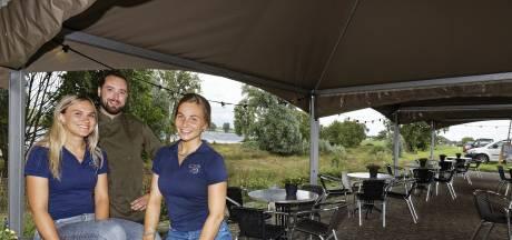 Bij uitgebreid restaurant De Blauwe Sluis in Gewande moeten overal ogen zijn: 'Ik heb me de blaren gelopen'