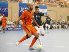 Zaalvoetballers FC Eindhoven aan kop na royale winst in Brabantse derby