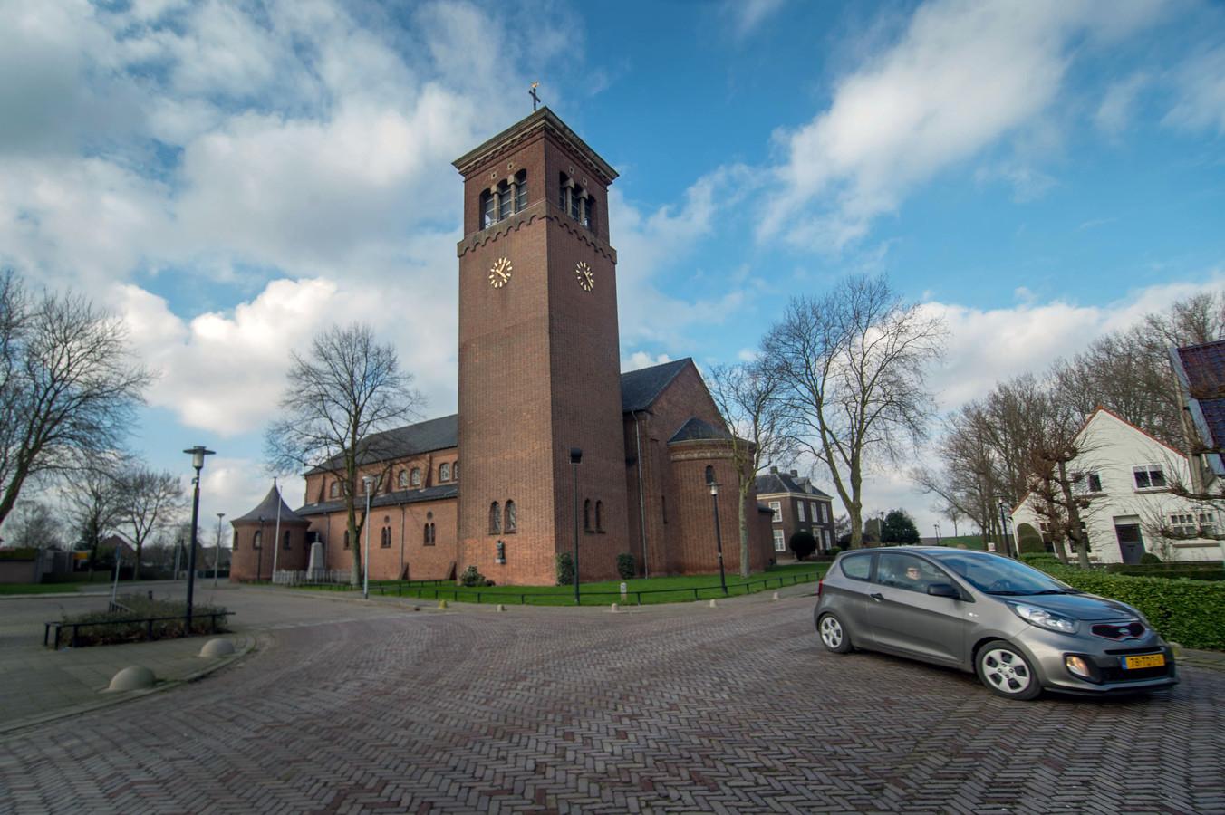 Kerk en pastorie in Deest.