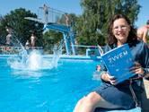 Ulvenhouts boek over zwemles: 'We zijn gefixeerd op diploma's, maar moeten met moeilijkere omstandigheden leren omgaan'