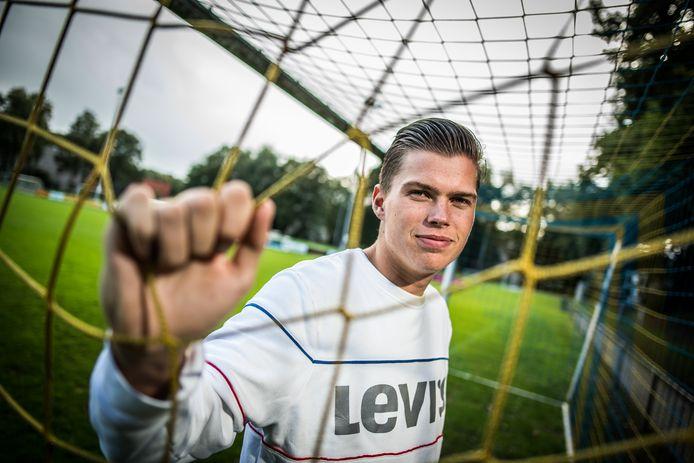 Spits Jesse ter Beek van De Paasberg scoorde zaterdag in de eerste Arnhemse derby sinds tien maanden, tegen Arnhemse Boys,  direct weer.