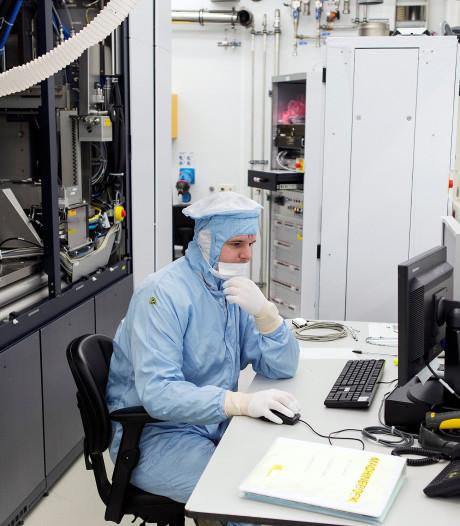 Trumps 'moslimban' treft ook chipmachinemaker ASML: werknemers komen VS niet binnen