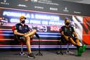 Max Verstappen en Lewis Hamilton tijdens het persmoment voor de Grand Prix van Frankrijk.
