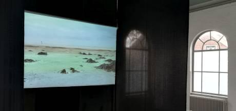 Filmmaakster Digna Sinke raakt in haar presentatie aan de universele aard van mensen