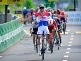 Van der Poel wint met overmacht: 'De Tour is nog een eindje weg'