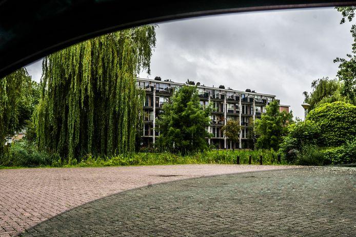 Beleggers en investeerders azen op flats en woningen in de Arnhemse wijk Presikhaaf, maar ook elders in de stad kopen ze woningen op.