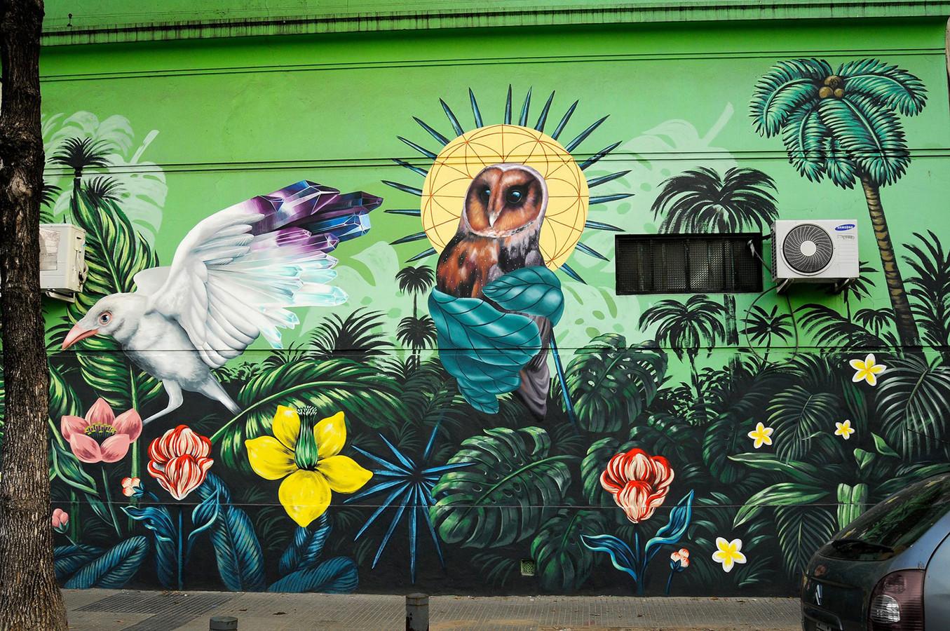 Nina Valkhoff en de Argentijnse Lucilismo maakten dit gezamenlijke werk in Buenos Aires. Het was het eerste werk van de Rotterdamse in het buitenland.