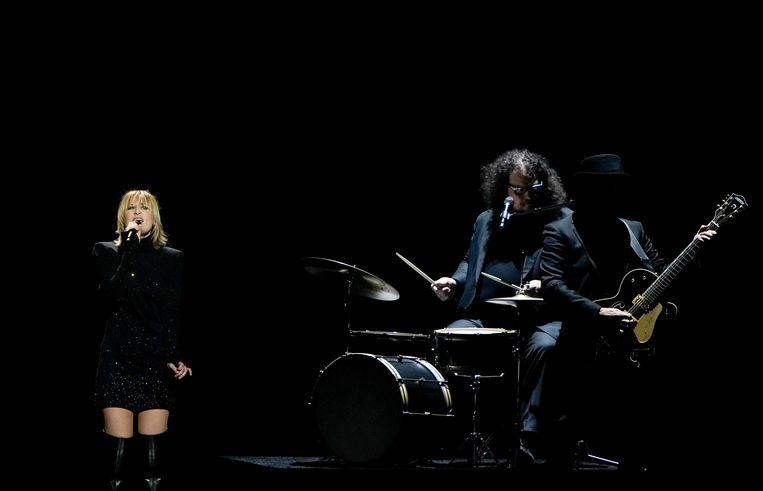 Hooverphonic met het nummer The Wrong Place tijdens de eerste halve finale van het Eurovisiesongfestival.  Beeld ANP