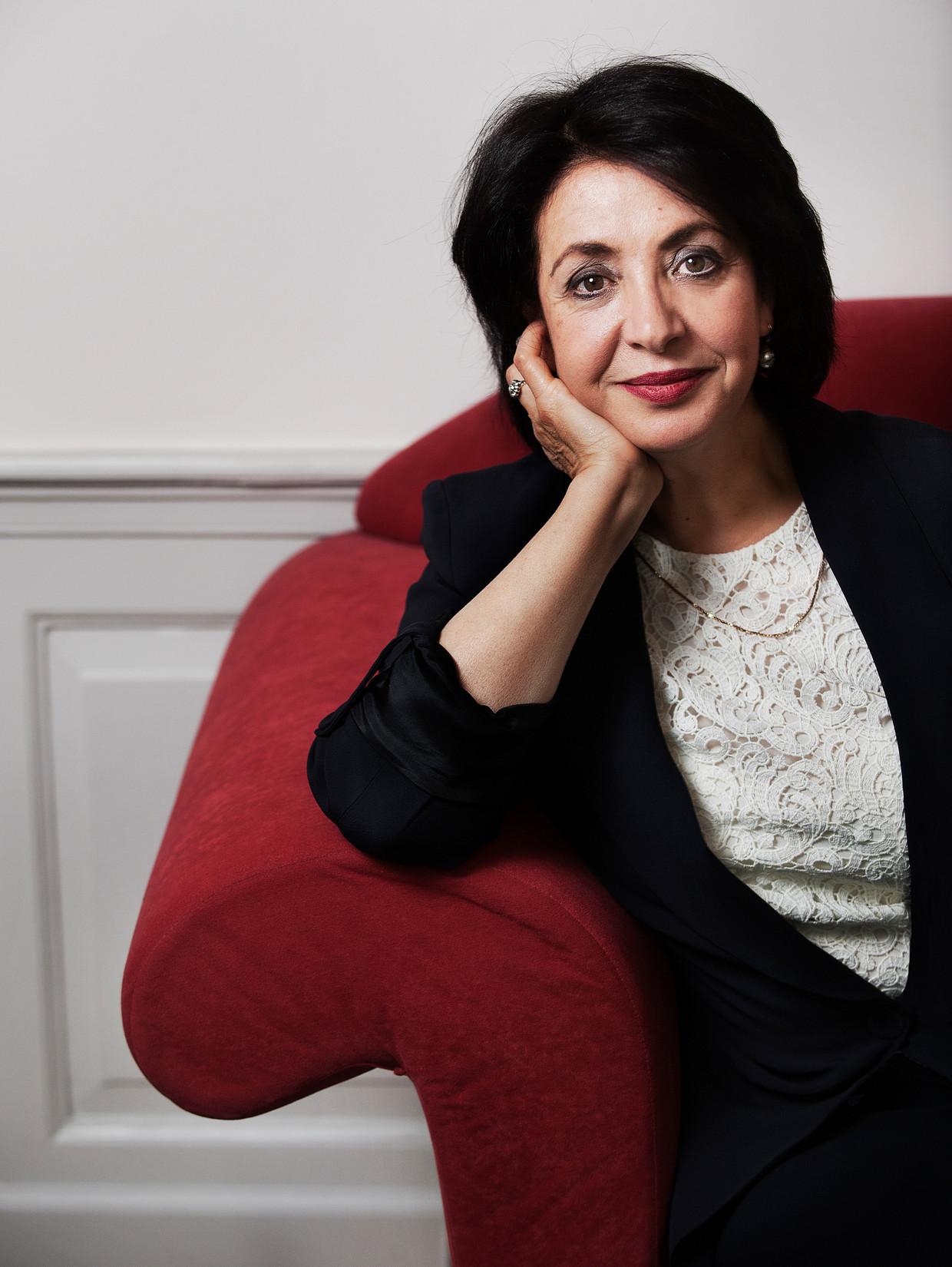 Khadija Arib: 'Kamerleden hebben tijd nodig om het vak te leren. Die kans krijgen ze bijna niet meer.' Beeld Marco Bakker/Lumen
