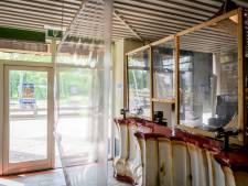 Op 1,5 meter afstand in de Hully Gully: attractiepark De Waarbeek in Hengelo gaat weer open