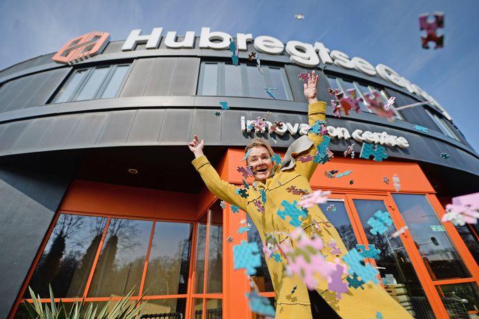 Daniëlle Hubregtse van de gelijknamige cartonnagefabriek zegt dat de vraag naar puzzels verviervoudigd is.