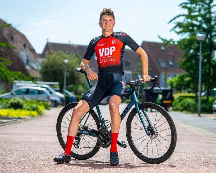 """Martin van de Pol blies zijn sportloopbaan na een heftig ongeluk nieuw leven in en mikt nu op de Paralympische Spelen. ,,Ik weet inmiddels dat een mens meer aankan dan-ie denkt."""""""