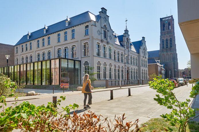 Bouwbedrijf Berghege heeft, na een lange renovatie, een prachtig opgeknapt hoofdkantoor.