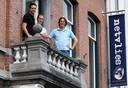 BREDA - Netvlies in 2007 tijdens het tienjarig bestaan op het balkon van het bedrijfspand aan de Prinsenkade. Van links naar rechts Tomas van den Nieuwendijk , Jeroen Thoolen en Jochem Vlemmix.