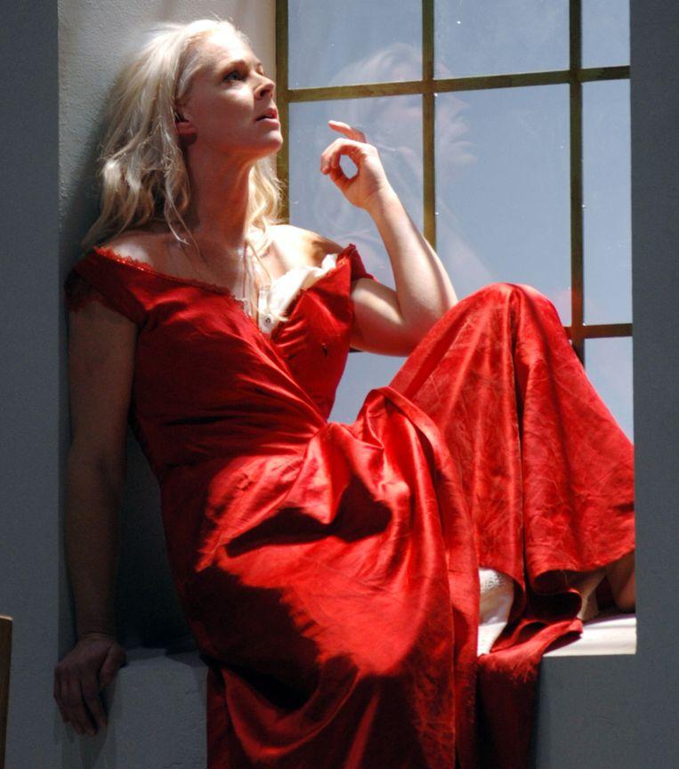 Malena Emman in de opera Julie, die in 2005 naar Brussel kwam.
