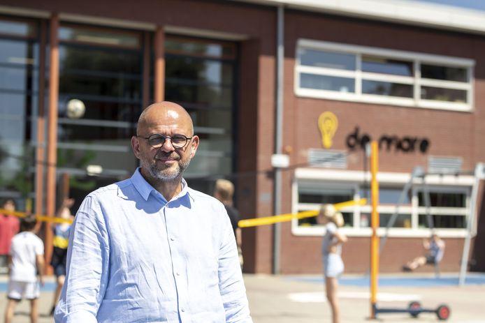 1 juli is de laatste werkdag van directeur Evert Kozijn op de christelijke basisschool De Mare in Almelo.