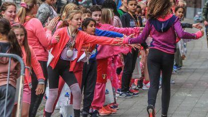 Leerlingen OLV Vlaanderen lopen 500 kilometer  voor Think Pink