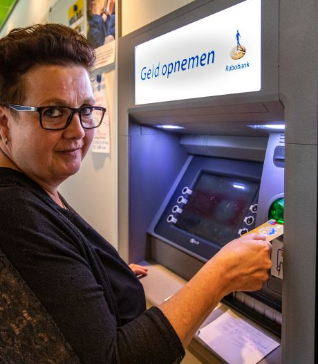 Bezorgdheid in dorpje Voorst: 'Haal onze enige pinautomaat niet weg'
