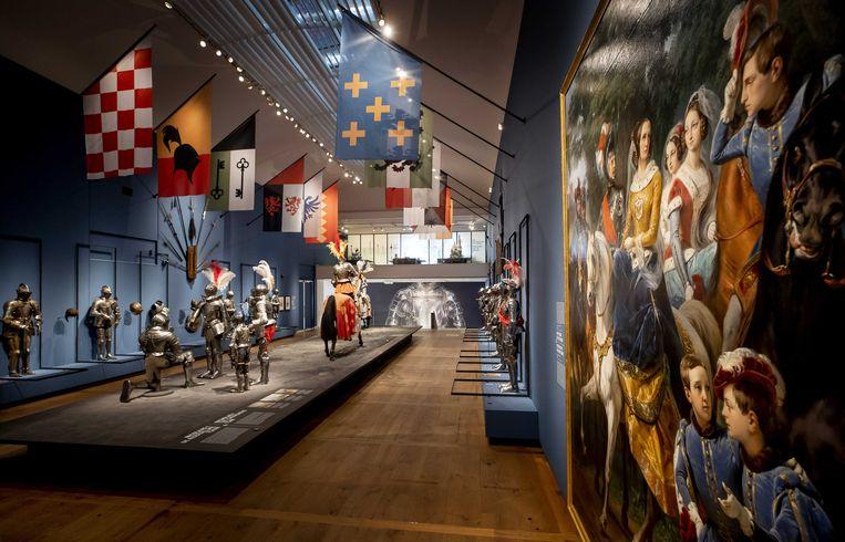 De objecten van de tentoonstelling Romanovs in de ban van de ridders staan te schitteren in de Hermitage, maar het publiek kan er door de lockdown niet van genieten.  Beeld ANP