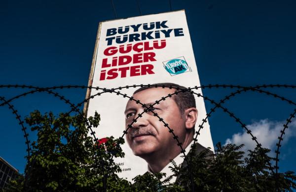 'Erdogan is voor het eerst in 16 jaar **kwetsbaar**'