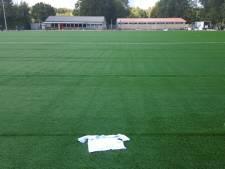 Het veld van BAS is 'versierd' met shirt van Swift