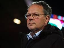 Cambuur-trainer De Jong: 'Geef ons dan wel die kampioensschaal'