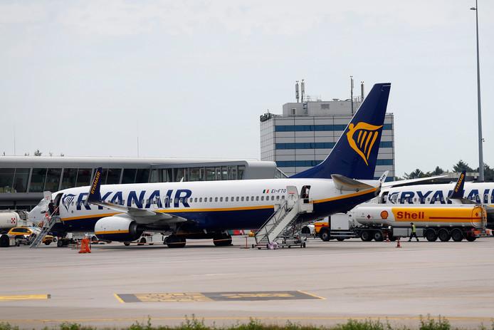 Ryanair-toestel op Eindhoven Airport.