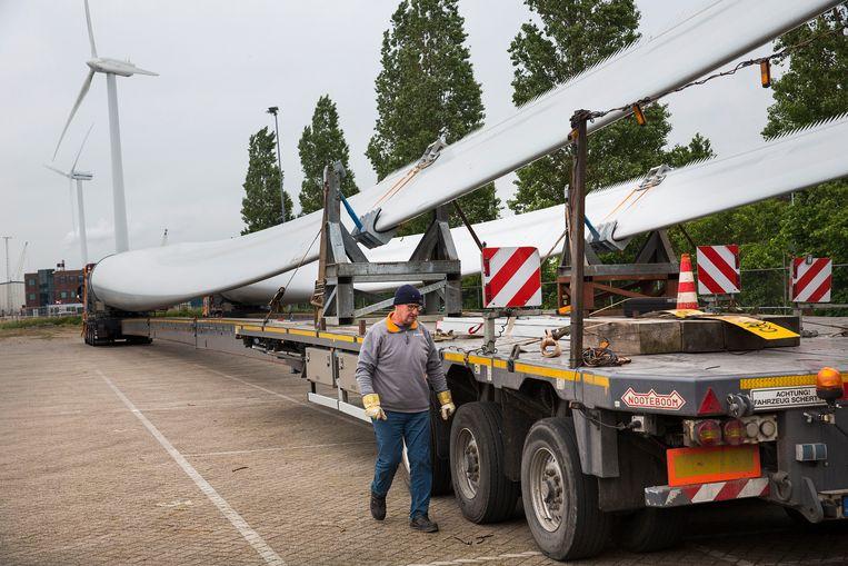Samen werken aan schone energie helpt om windmolens op de juiste plek te krijgen. Beeld Hollandse Hoogte /  ANP
