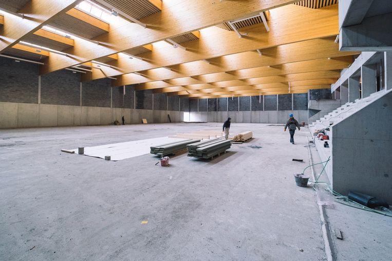 De bouw van het nieuwe complex Uyttenhove zit momenteel in zijn laatste fase. Om dit ontmoetingscentrum uit te baten zal de gemeente extra personeelsleden aannemen.