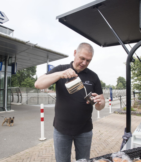 Mobiele koffiebar slaat aan, ondanks stroomstoring