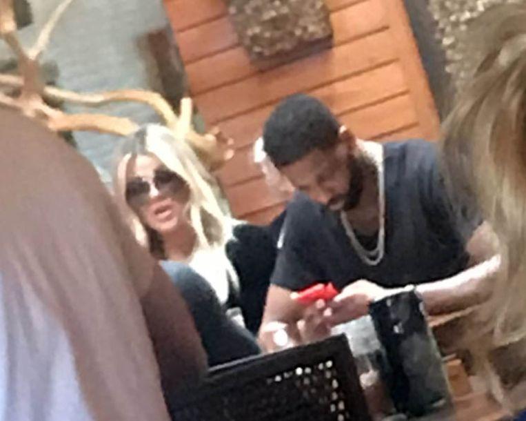 Khloé Kardashian blijft bij haar man.