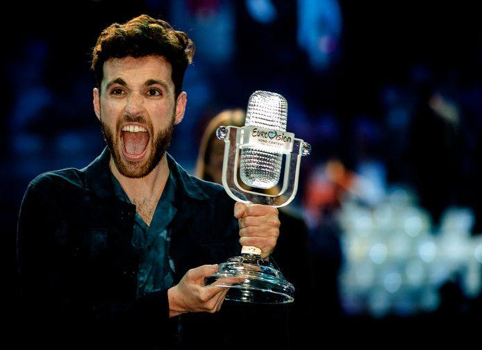 Duncan Laurence nadat hij het Eurovisie Songfestival won.