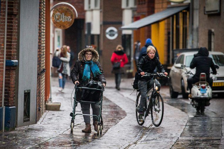 Een winkelstraat in Enschede.  Beeld Vincent Jannink / ANP