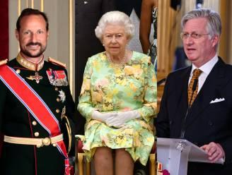 Van Queen Elizabeth tot koning Filip: zo worden royals wereldwijd ingezet bij vaccinatieproces tegen corona