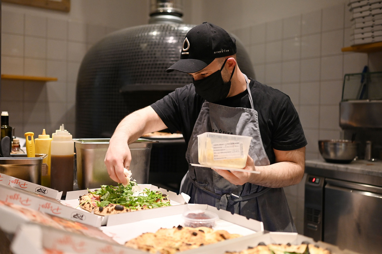 'Vrijwel elk restaurant in Gent biedt nu take-away aan. Dat is gewoon te veel' Beeld Photo News