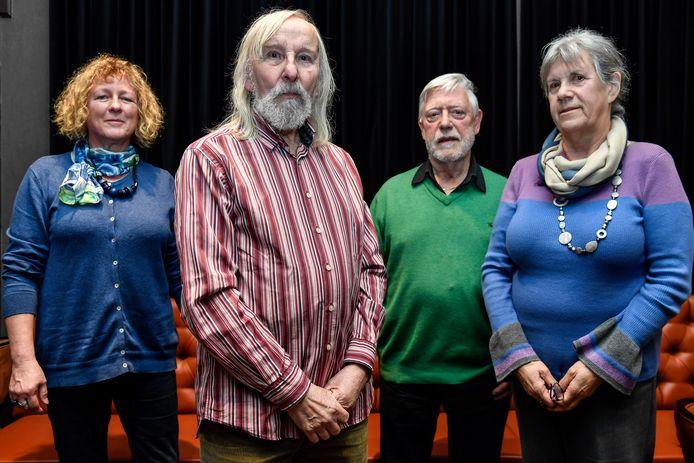 Els Van Thuyne (links) schreef gedichten bij werken van Leo De Beul.