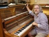 """REEKS UITSTERVEND RAS. Pianorestaurateur Lode Chaerle (54) uit Melsele: """"Elk instrument heeft zijn eigen ziel"""""""