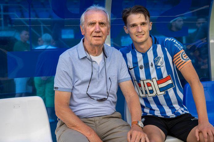 Mitchel van Rosmalen met zijn opa Willy van der Kuijlen in 2020.