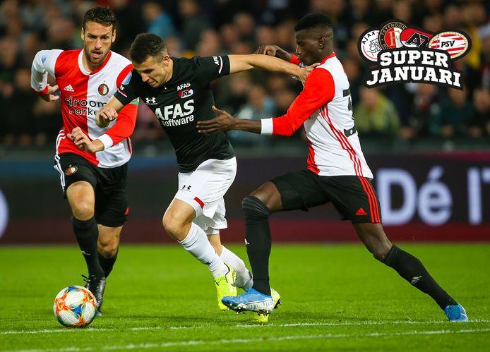 2019: Feyenoord  AZ. Eric Botteghin en Edgar Miguel Ie proberen Oussama Idrissi af te stoppen.