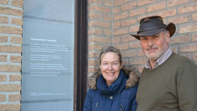 """Raamgedichten op meer dan 70 locaties in Zulte: """"Allemaal geschreven voor of bij een werk van Roger Raveel"""""""