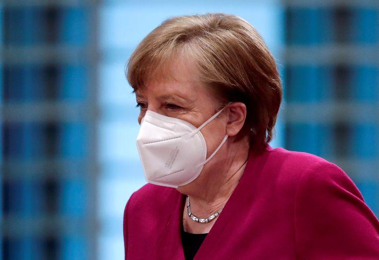 Angela Merkel had een telefonisch gesprek met de Russische president Vladimir Poetin. Beeld REUTERS