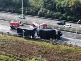 Vrachtwagen vliegt in brand op de A15
